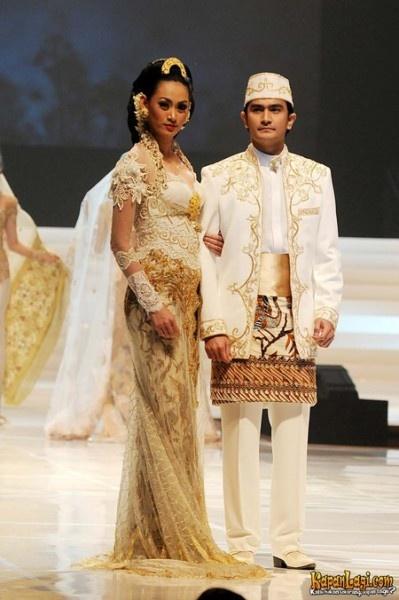 wedding kebaya Suzanne Martel via Dwi Widyajayantie sur Mariage Indien!