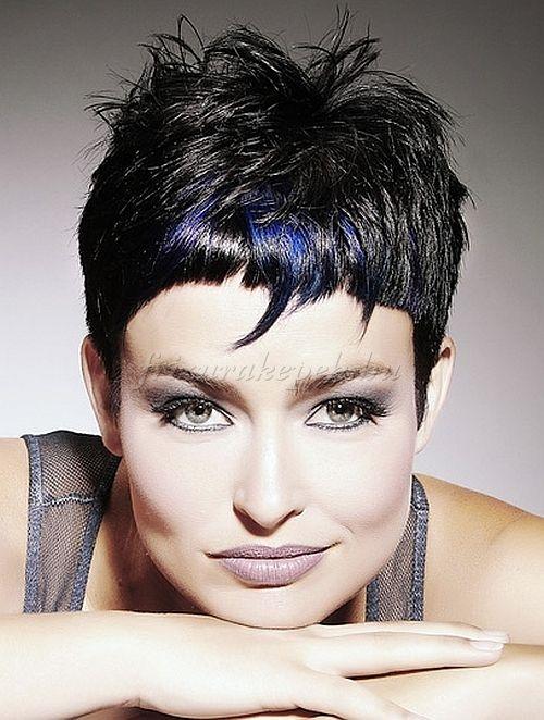 rövid+női+frizurák+-+rövid+frizura+fekete+hajból