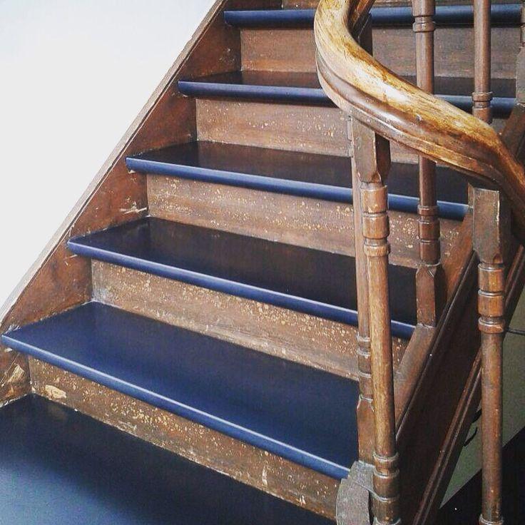 Aflevering 10 neerkant oud combineren met modern blauwstaal traprenovatie vtwonen pinterest - Railing trap ontwerp ...