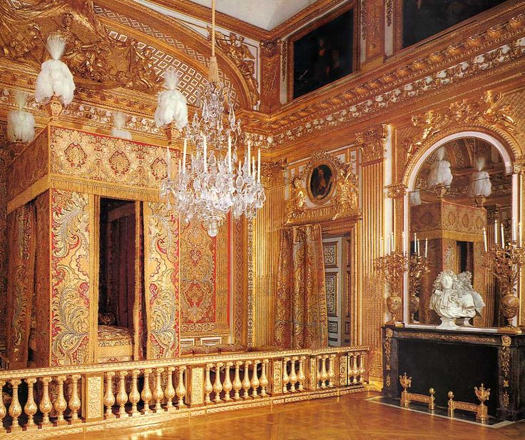 The Versailles Apartments: THE VERSAILLES CASTLE: The King's Room.