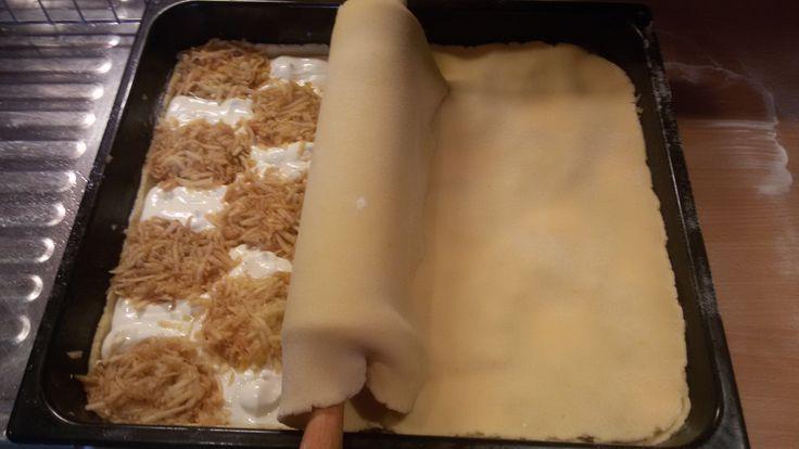 """""""V originálnom recepte sa vrchné cesto tvarovalo do mriežky. Ja som nejako nemala chuť tvarovať, tak mám vrchný plát vcelku, ale na chuti mu neubralo"""""""