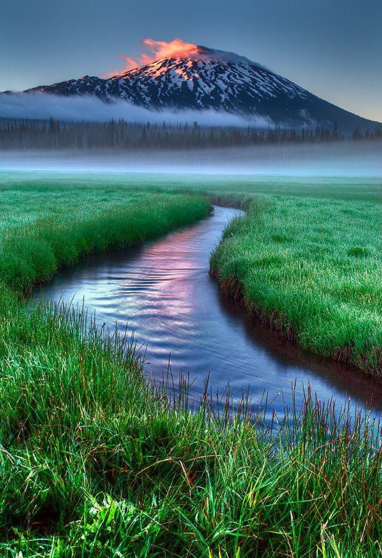 Sparks Lake, Bend, Oregon, United States of America.