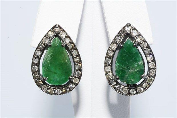 Online veilinghuis Catawiki:  925 Zilveren cluster oorbellen met natuurlijke smaragd & diamanten