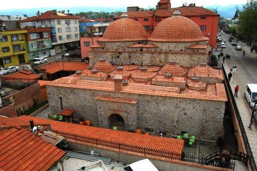 1. Murat hamamı/İznik/Bursa/// 14. yüzyıl yapısı olan I. Murad Hamamı, çifte hamam tipolojisine uygun olarak inşa edilmiştir. Bugün yapının bir bölümü turist danışma bürosu olarak, diğer bölümü ise, kafeterya olarak hizmet vermektedir.