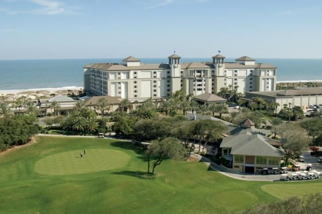 Ritz-Carlton Amelia Island, elegant beach resort that welcomes families: read about Ritz-Carlton Amelia Island in northeast Florida.