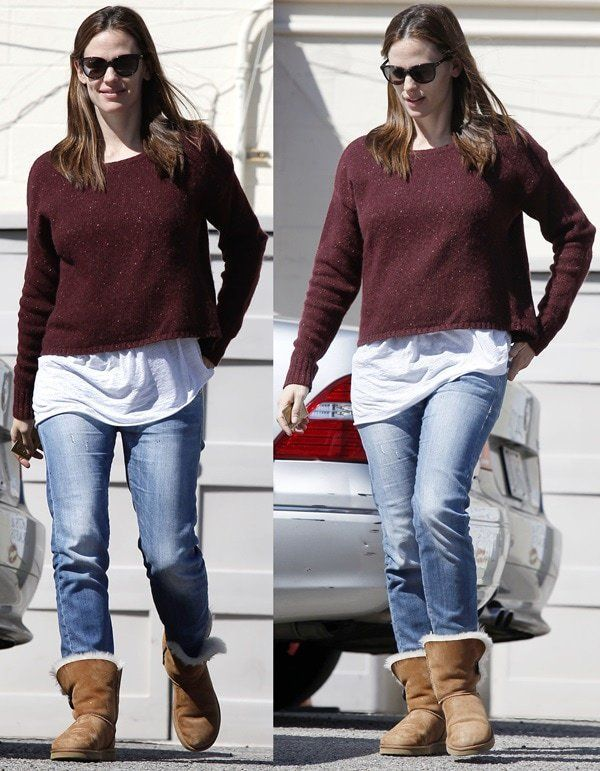 bc8c9a620e Take a cue from Jennifer Garner and wear them with your favorite pair of ugg  boots