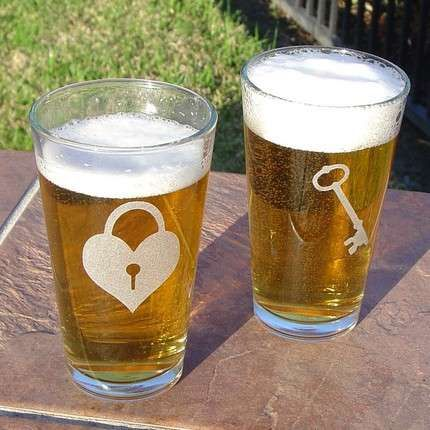 Key to My Heart Etched on Pint Glass Set #valentines day