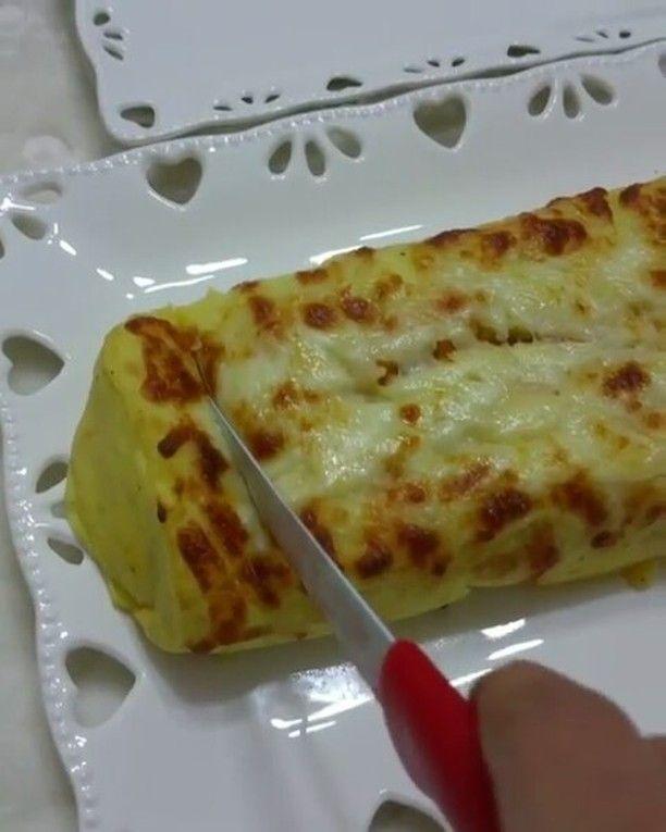Püreli Tavuk Sarma Tarifi için Malzemeler Patates harcı için;    4-5 adet patates   1 yemek kaşığı eritilmiş tereyağı   1 adet yumurta   Karabiber   Tuz   Yarım çay bardağı s�