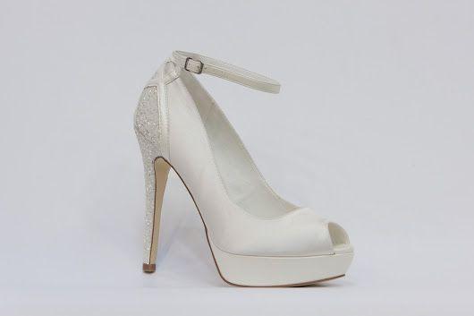 Menbur - nejkrásnější svatební boty, vysoké podpatky, kouzelné romantické lodičky, zdobená svatební obuv, luxusní modely svatebních bot, trendy svatební boty, k vyzkoušení a zakoupení v obchodě Střevíce a více