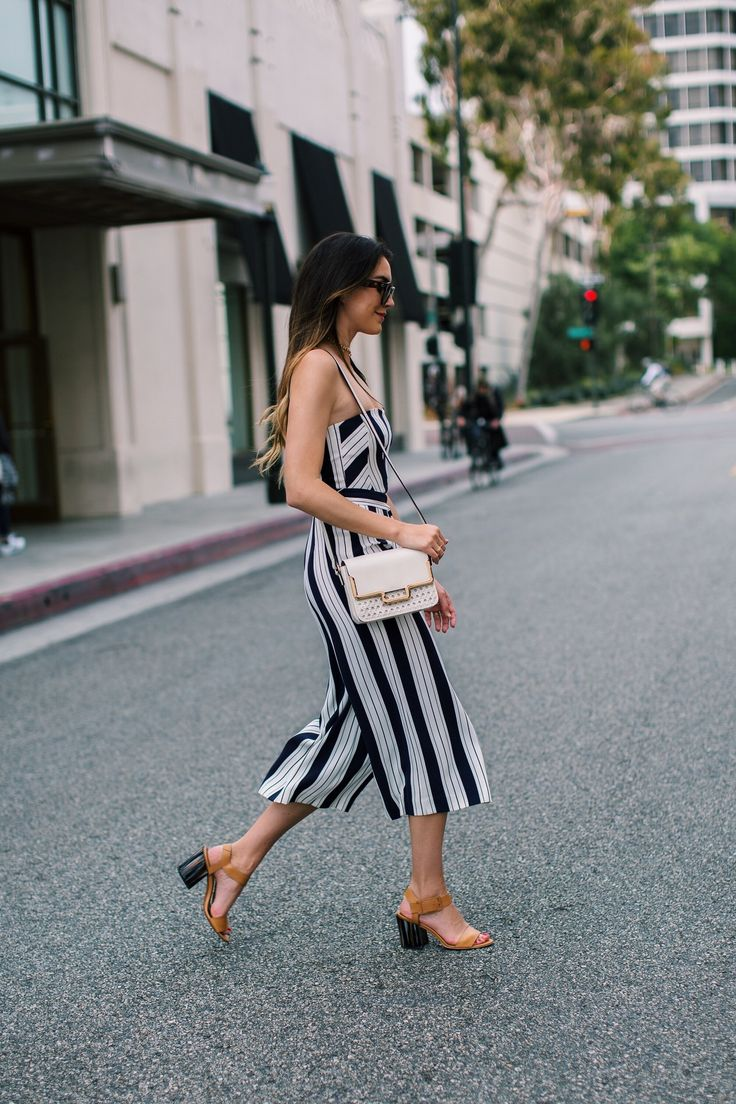 This striped #hm jumpsuit, perfect for upcoming summer nights http://www.thriftsandthreads.com/dressing-up-with-hm/?utm_campaign=coschedule&utm_source=pinterest&utm_medium=Thrifts%20and%20Threads&utm_content=Dressing%20Up%20with%20HandM #sponsored