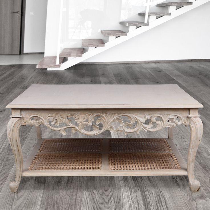 Meja kopi Christine yang fantastis merupakan gabungan dari gaya Prancis dan bahan campuran. Meja yang terbuat dari kayu Mindi oleh pembuat furnitur terampil, pemahat kayu, penenun rotan dan finishers. Mejanya memiliki rel dekoratif yang indah dan kaki melengkung klasik. Rak penyimpanan yang lebih rendah memiliki panel rotan anyaman tangan yang menambahkan sentuhan yang sangat khas pada desainnya. Lapisan krem yang diaplikasikan ke permukaan kayu sehingga serat kayu yang terlihat dengan…