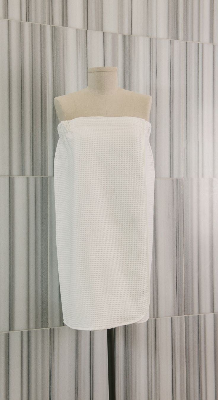 Made from 100% pure Turkish Cotton, our dual Terry/Waffle wrap is a versatile garment which can be used in the sauna or steam room, or when drying off at home.  Loomed to a weight of 350 gsm, this garment has an elasticized waistline allowing it to wrap around the waist with ease and has a reversible waffle/terry design.  - See more at: http://www.talesma.com/eng/98/talesma--waffle/terry-wrap.html#sthash.LGqSAsu7.dpuf