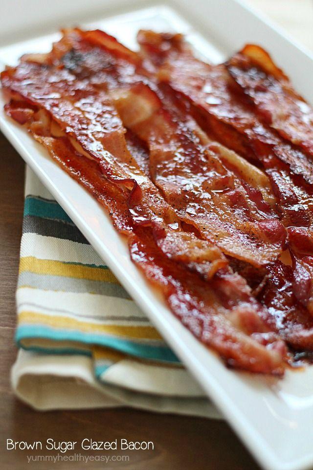 Brown Sugar Bacon aka Confit Bacon aka le meilleur Bacon jamais!  Ce lard facile est cuit au four avec une garniture de sucre brun et le poivre, et sort collant, doux et savoureux.  Absolument bave digne!