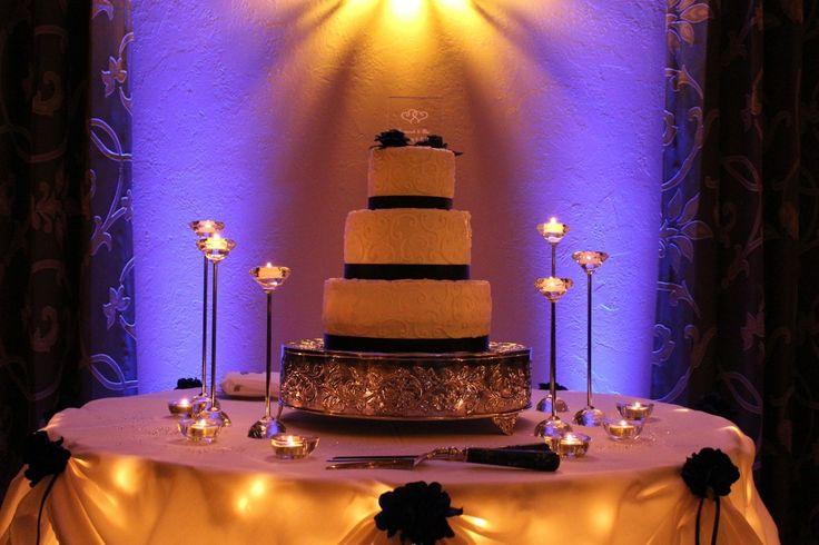 Black Diamond Wedding Cake Uplights