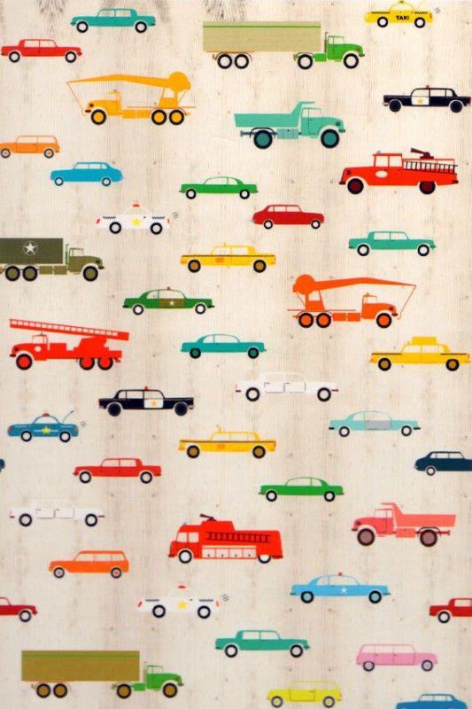 Dit behang staat vol met auto's in alle soorten en maten. De kleuren zijn helder en aansprekend.