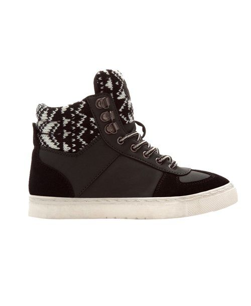 Winter high top sneaker from @Zara Lamey. Wear with light skinnies, single-color flowy-ish shirt, cardigan and possibly a scarf