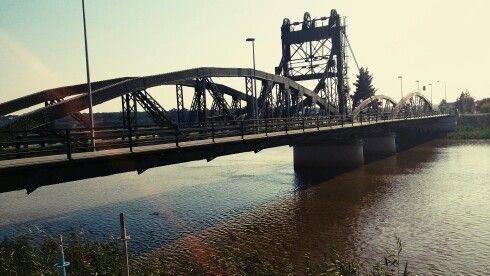 Ponte de ferro sobre o rio Sdo, na milenar vila de Alcácer do Sal, #Portugal