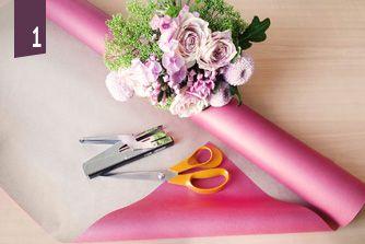 Envelopper l'emballage autour du bouquet et aggrafer pour maintenir. Nov 3, 2016cdelcroix Tweet