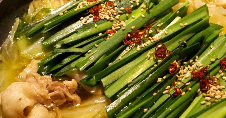 美味しすぎるもつ鍋が家にある材料だけで簡単に♬ モツは勿論、豚バラ・鳥モモ・豚コマでも何でもOK〜٩꒰ ๑′◡͐`꒱♡