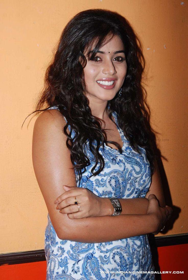 Poorna-aka-Shamna-Kasim-2011-stills-(36)