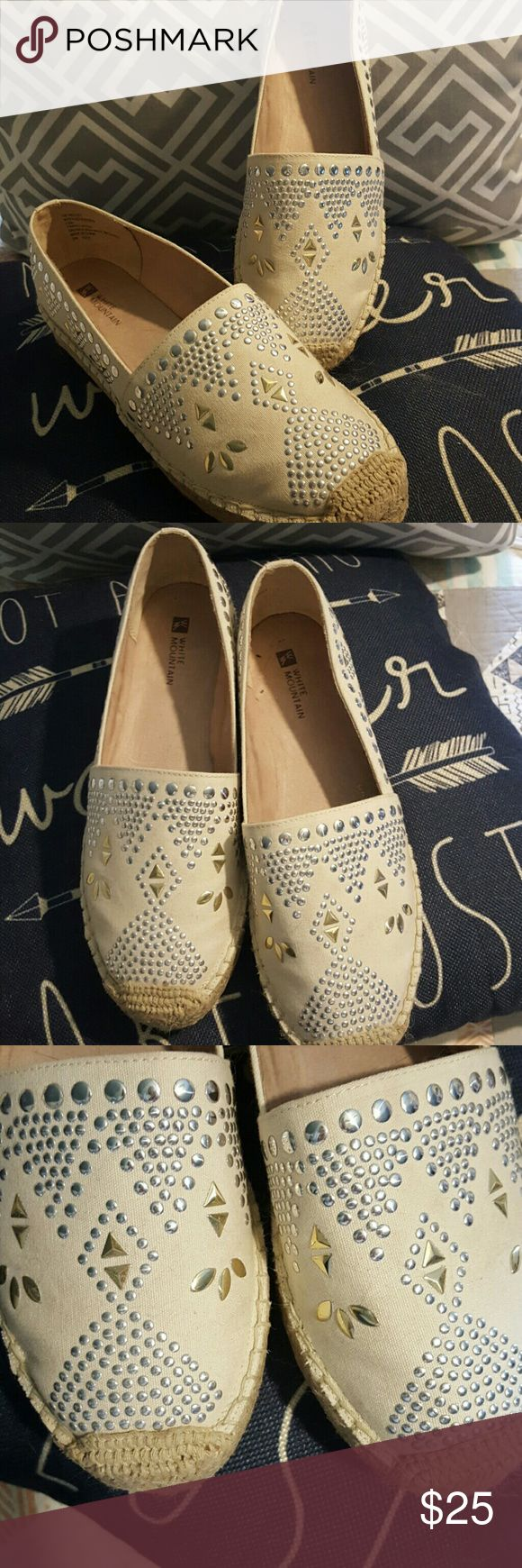 White Mountains espradrill Slip white Mountain espridrll,wore once..pretty detail and very well made!! I have too many shoes white mountain Shoes Espadrilles