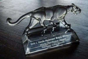 """Friends of National Parks Foundation founder and CEO Dr Bayu Wirayudha receives 2012 World Rainforest Award for his """"lifelong commitment to deep activism, species and forest conservation as well as groundbreaking community development projects"""". #FNPF #RAN"""