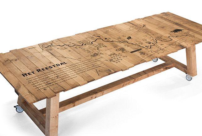 Voor Landschap Overijssel,en in samenwerking met Viesrood, is deze bijzondere tafel met kaart van het Reestdal gemaakt.Deze tafel staat centraal in de hal van bezoekerscentrum de Wheem in Balkbrug en daagt de bezoeker bij binnenkomst al uit door debijzondere lasergravure. Drink er een lekkere kop koffie, plan je wandeling of laat je informeren over het…