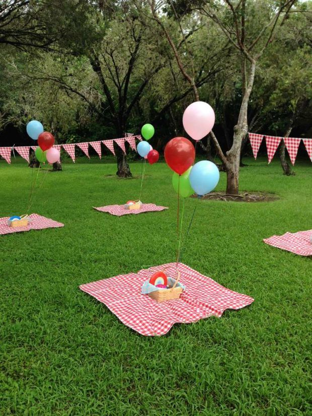 Summer party themes, picnic party, red and white gingham, backyard bbq, backyard picnic