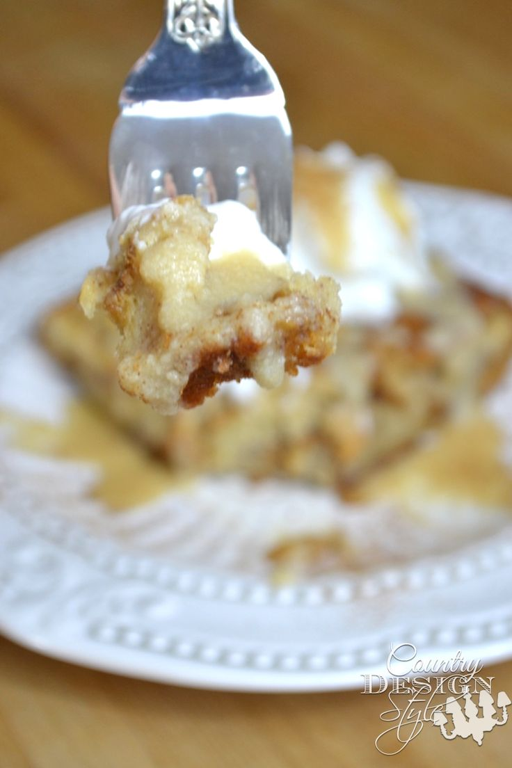 Yummy and easy recipe for bread pudding using a rumchata warm sauce.  Great cold too! Rumchata Bread Pudding Serving | Country Design Style | countrydesignstyle.com