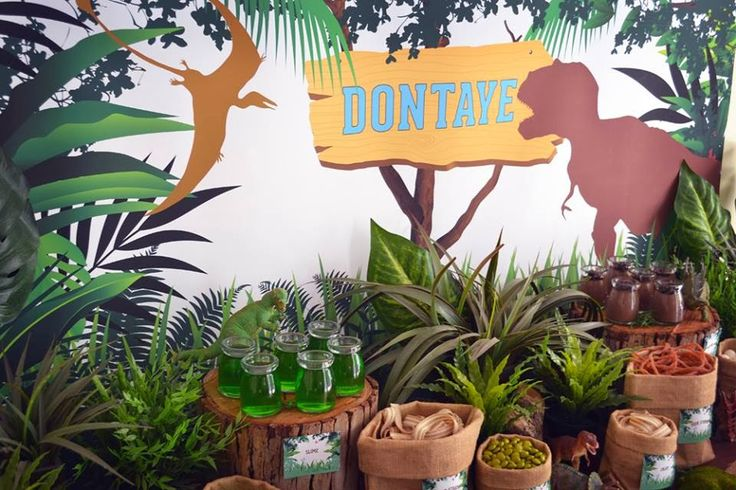 Little Big Company | The Blog: A Dinosaur Themed 5th Birthday party by Sugar Sweet