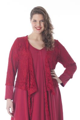 Exelle | curvy fashion | very stylish lace vest available in black, red and forest