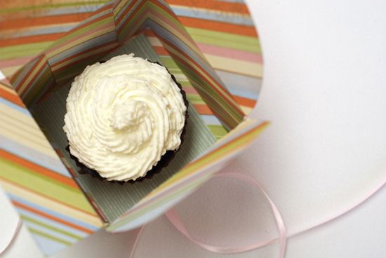 Great Cupcake box with template.. and lots of other templates on this website