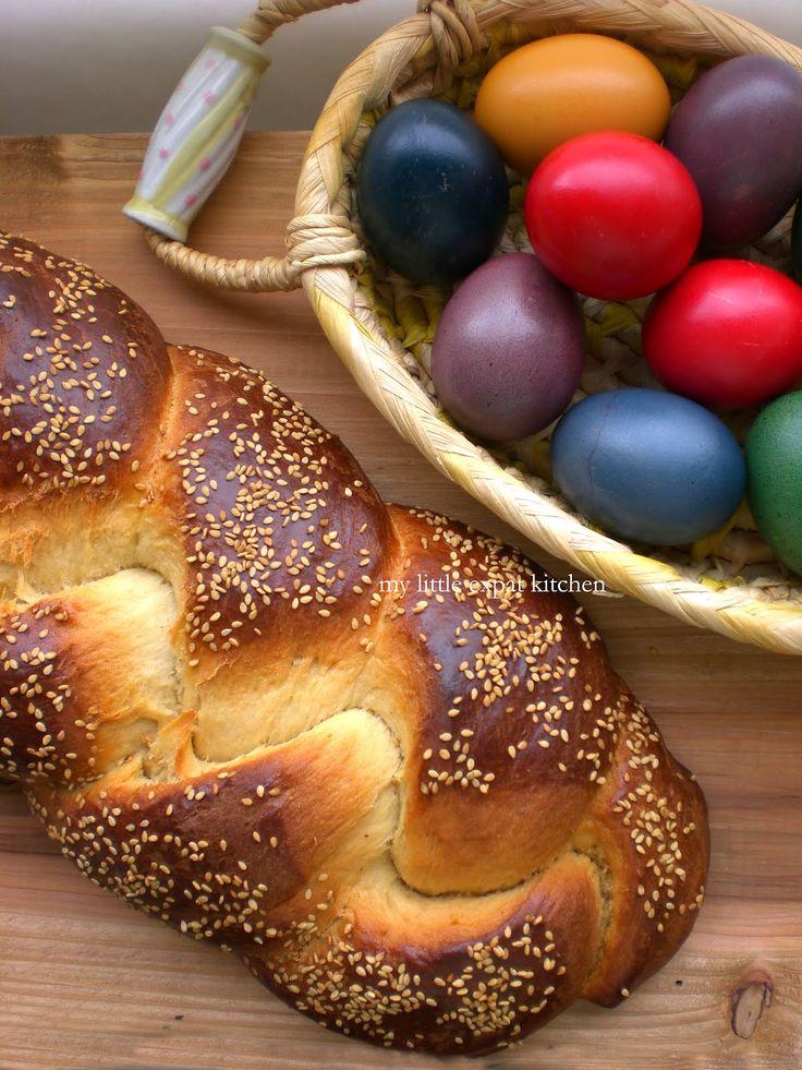 Politiko Tsoureki - Greek Easter Sweet Bread