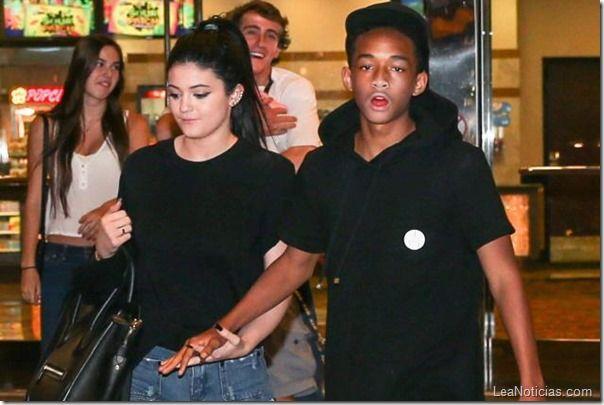 Kylie Jenner y Jaden Smith ¿Más que amigos? - http://www.leanoticias.com/2013/11/25/kylie-jenner-y-jaden-smith-ms-que-amigos/