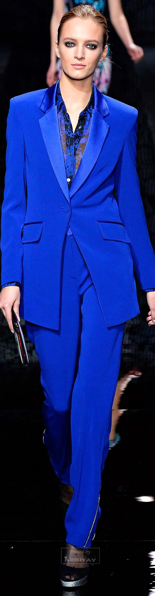 FALL 2015 DVF collection has this electric blue tailor set www.splashonline.eu