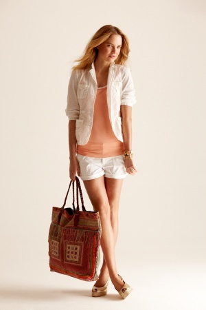 @Laura Gafken: Peach Blazer, Classy Style, Fashion Ideas, Fashion Styles, Clothes, Blazer Espradilles, Colorful Tote, Style Pinboard, Summer Colors