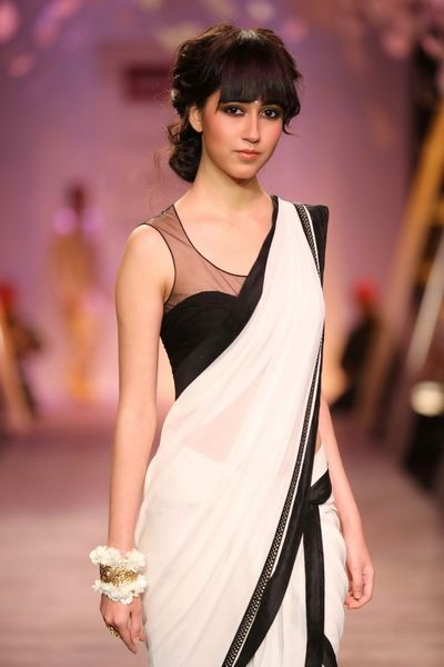 Tarun Tahiliani saree and blouse design at LFW 2014