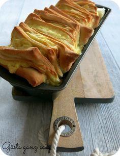 Herzhafter Snack: Zupfbrot mit Raclettekäse - Resteverwertung von Silvester. Funktioniert aber auch mit anderen Käsesorten.