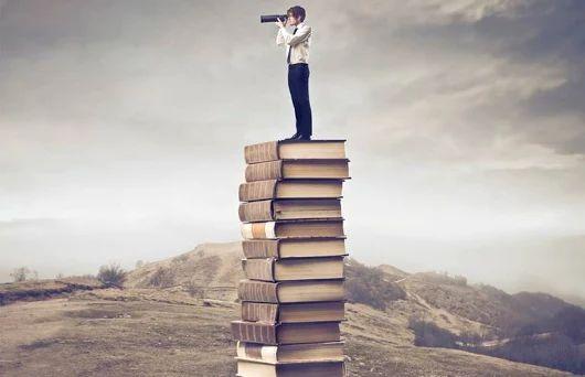 """A qualidade do ENTENDIMENTO se equaliza ao reconhecimento da NECESSIDADE do aprendizado. As palavras são nada mais que símbolos inférteis, assim sendo, incapazes de produzir qualquer tipo de CONHECIMENTO se não houver a boa relação com o solo fecundante: VOCÊ. """"É preciso esquecer o que se sabe a fim de ver o que não se via."""" (Rubem Alves). (aprendendo a aprender) Santiago Gomes"""
