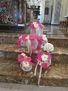 church decorations pink and white