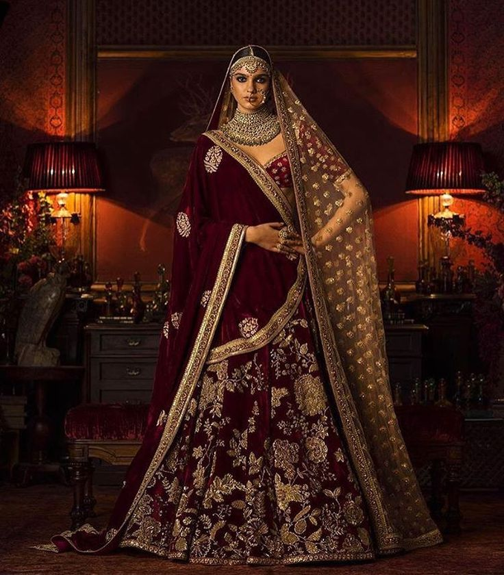#Sabyasachi #Couture2016 #HeritageBridal #WinterWeddings @kishandasjewellery #KishandasForSabyasachi #HandCraftedInIndia #TheWorldOfSabyasachi