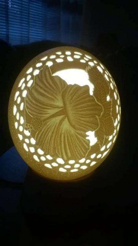 Lampa z pštrosieho vajca / vzor Ibištek / Autorka: catty / Artmama.sk