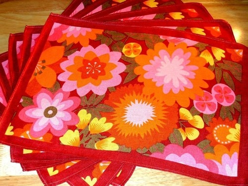 1960s place matsPlaces Mats, Knicks Knacks, 1960S Places, Vintage Things, Flower Power, Stunning Colors, Retro Style, Mod Flower, Neato Knicks
