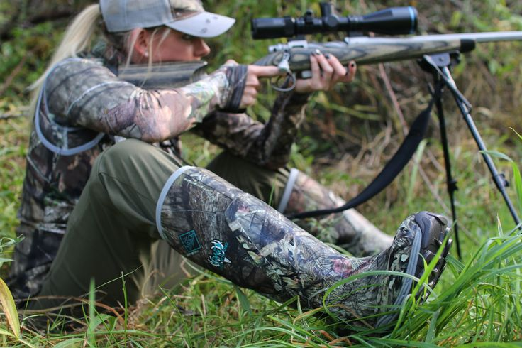 Girls With Guns Clothing strives to provide the best women's hunting gear available.  #TeamGWG's Amy Spoon trusts her Mossy Oak camouflage and Arctic Hunter Muck Boots.