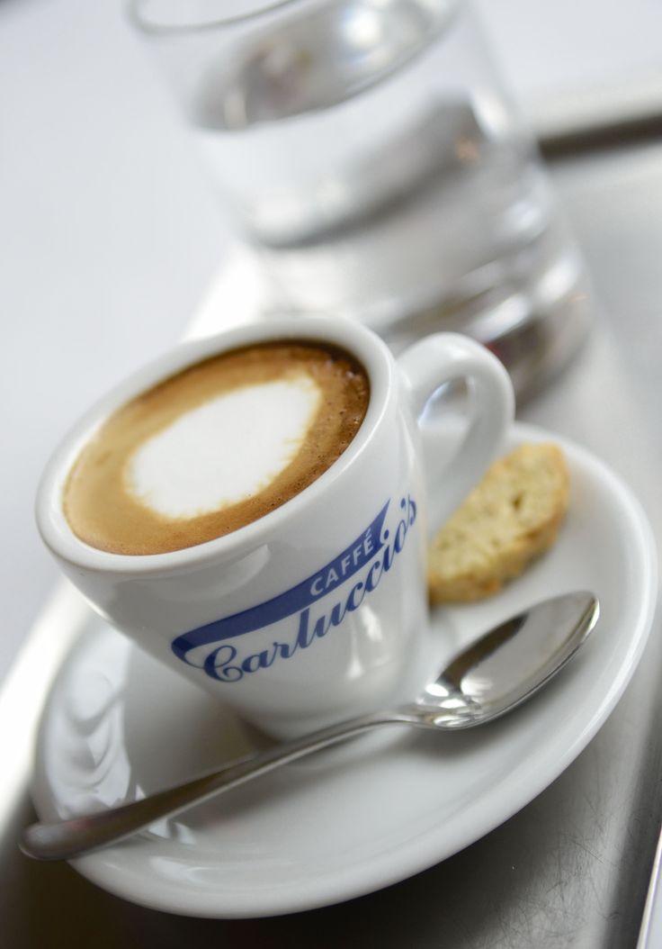Bugün güzel bir kahvenin rahatlatıcı etkisini hissedin. #CarlucciosTR #coffee #italian #espresso
