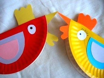 Paper Plate Hens ~ Add a tongue depressor and you have the little red hen puppet to illustrate the story. Wouldn't this make a great mobile? You could add the other characters in the story. ( I miss teaching preschool) Hang a large branch securely in the room and change the figures monthly.