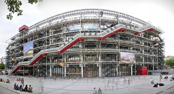 Centre Georges-Pompidou est un établissement polyculturel. La architecture est différent, mais intéressante.