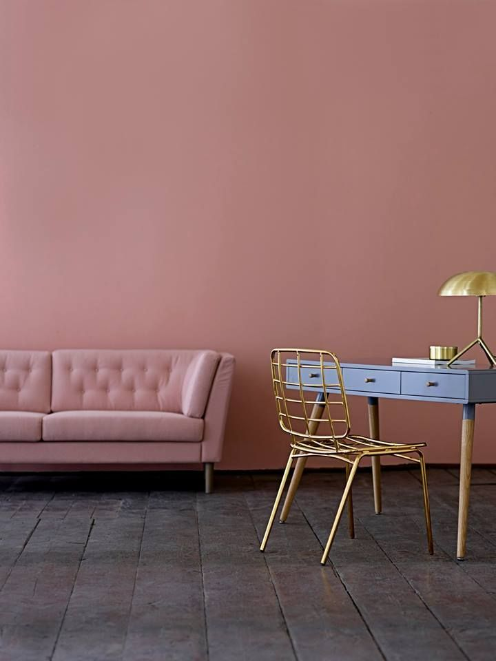 Pantone's colors of the year, Rose Quartz and Serenity, are soothing in this charming home office.