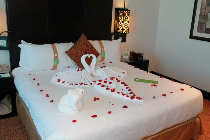 Tips For A Romantic Hotel Room Makeover