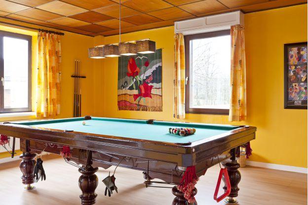 Luxevilla met zwembad en wellness voor 15 personen te huur in Sourbrodt